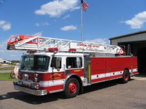 1988 Seagrave 100' Ladder  Aerial was rebuilt in 1998