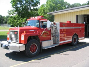 1977 Int/Luverne  350 GPM Pump 1700 Gallon Tank New tank-body stainless 1991